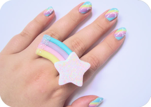 pastel-shooting-star-nails